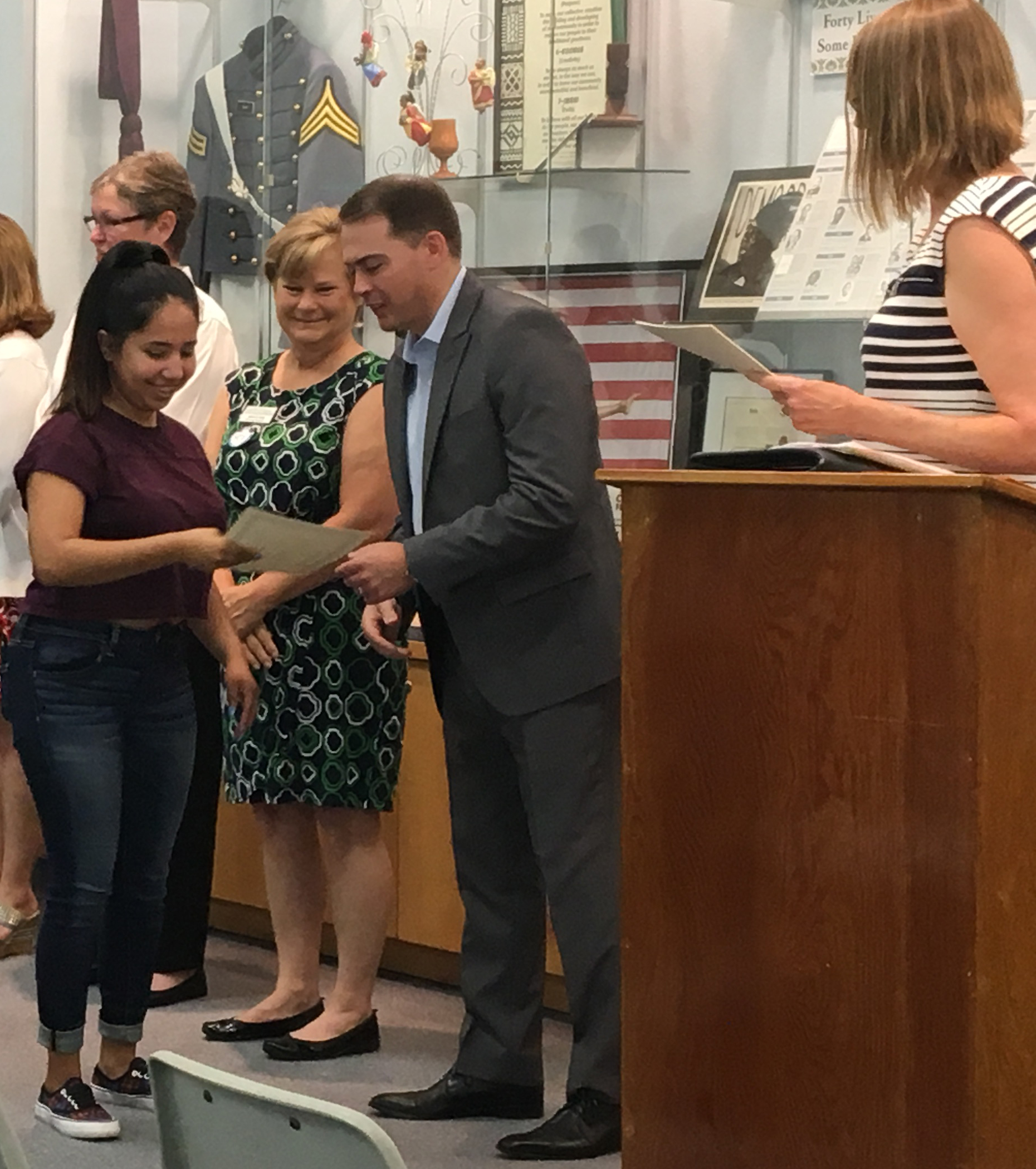 Kimberly Jaimes-Diaz receives her certificate.